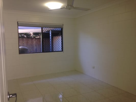$320, Whole-property, 3 bathrooms, Grosvenor Street, Pimlico QLD 4812