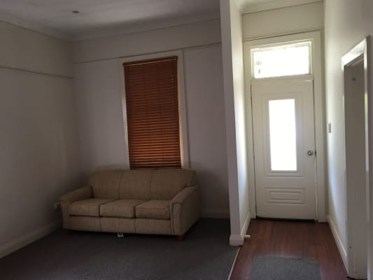 $160, Share-house, 4 bathrooms, Keppel Street, Bathurst NSW 2795
