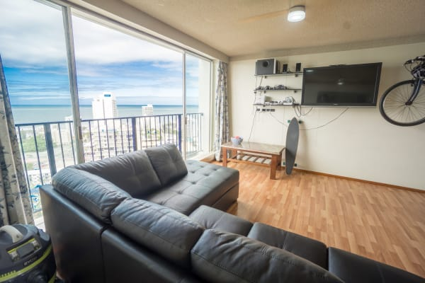 $170, Flatshare, 2 bathrooms, Riverview Parade, Surfers Paradise QLD 4217