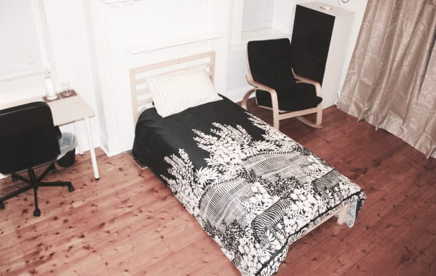 $260, Studio, 1 bathroom, Riversdale Road, Hawthorn East VIC 3123