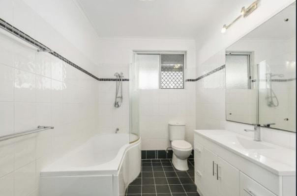 $200, Student-accommodation, 4 bathrooms, Shirley Street, Southport QLD 4215