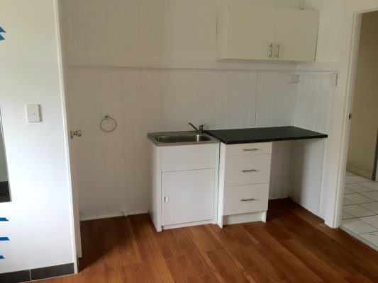 $180, Studio, 1 bathroom, Wellington Road, East Brisbane QLD 4169