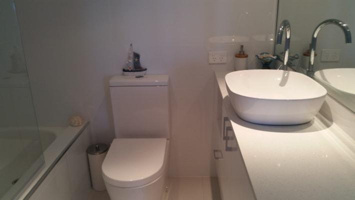 $50, Flatshare, 2 bathrooms, Marine Parade, Labrador QLD 4215