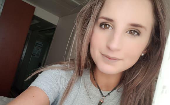 Chloe-lee