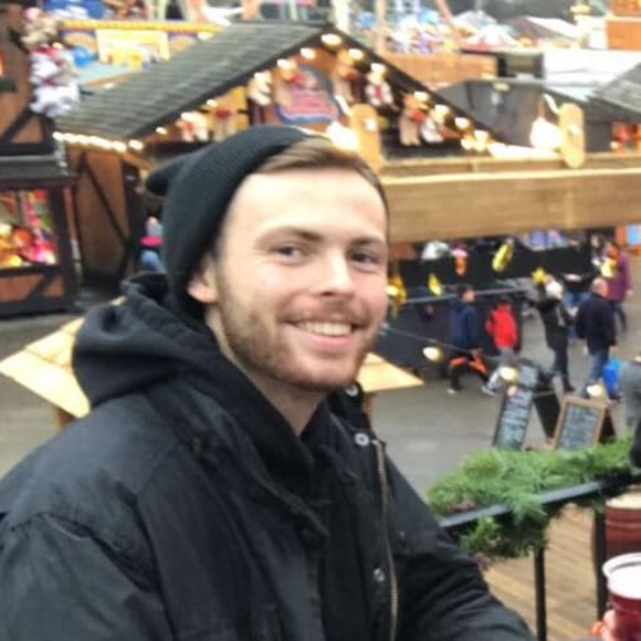 Aaron (22), $225, Non-smoker, No pets, and No children