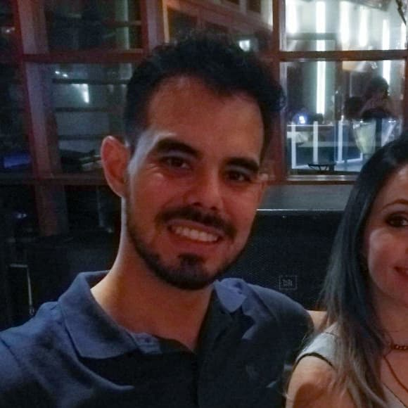 Luciana (33) & Fernando (28), $460, Non-smoker, No pets, and No children