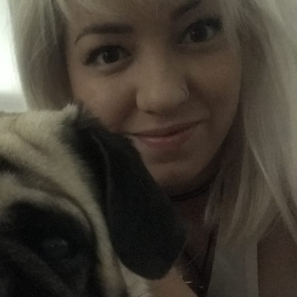 Chelsea, Female, 29, $200, Have pets, Smoker, No children, and LGBT+