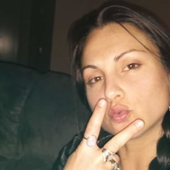 Renee, Female, 30, $150, Non-smoker, Have pets, and No children