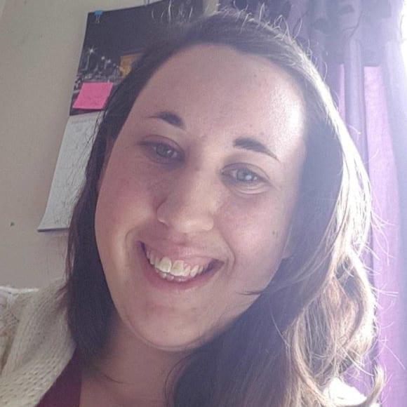 Rachel (27), $150, Non-smoker, No pets, and No children