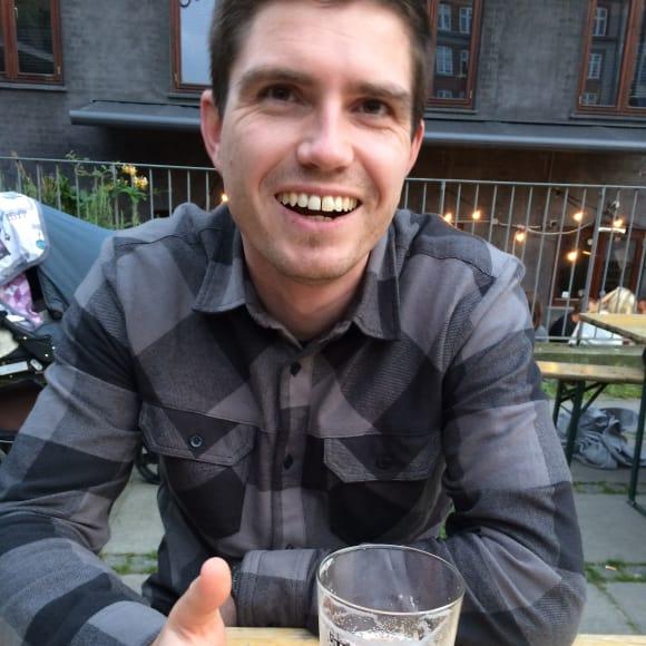 Alex, Male, 34, $201, Non-smoker, No pets, and No children