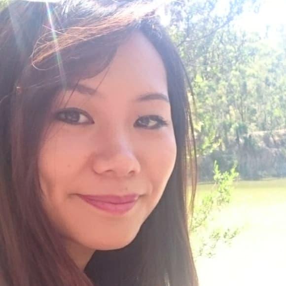 Lisa (26), $280, Non-smoker, No pets, and No children