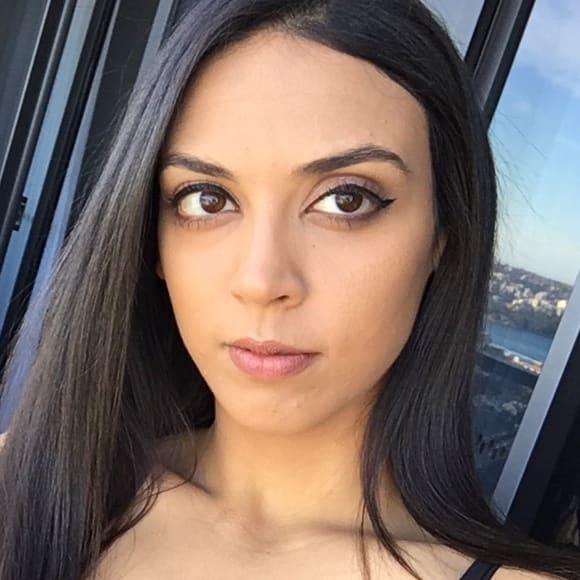 Jessica (24), $250, Non-smoker, No pets, and No children