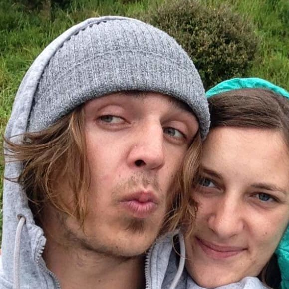 Zdenek (24) and Simone (25), $350, Smoker, No pets, and No children