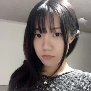 Shiwen, Female 23yrs, $250, Non-smoker, No pets, and No children