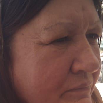 Kaye, Female 57yrs, $175, No children, No pets, and Non-Smoker