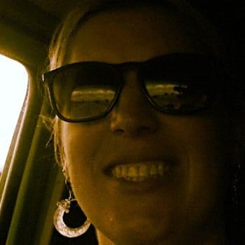 Rebecca, Female 28yrs, $0, Non-smoker, No pets, and No children