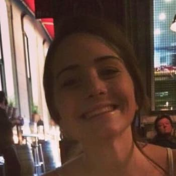 Sarah, Female 20yrs, $150, No pets, No children, and Non-smoker