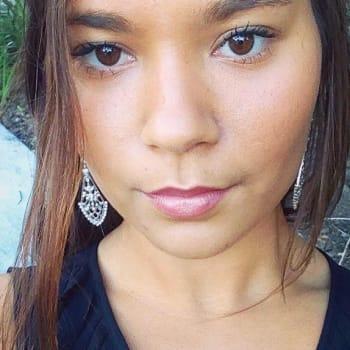 Vanessa , Female 20yrs, $160, Have pets, No children, and Non-smoker