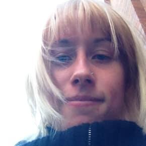 Nicole, Female, 28, $330, No pets, No children, and Non-smoker