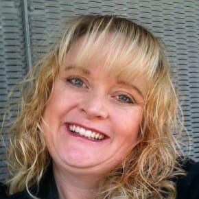 Karen, Female, 43, $475, No children and Non-smoker