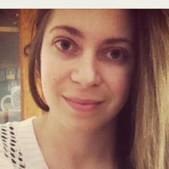 Danielle, Female, 23, $160, No children and Non-smoker