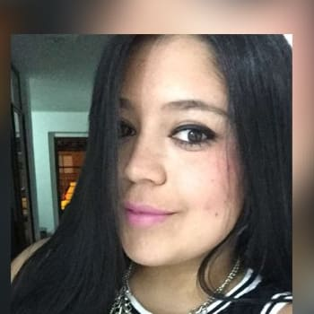 Daniela, Female, 22, $170, No pets, No children, and Non-smoker