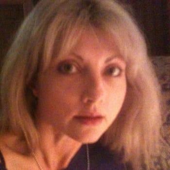 Jacqueline, Female 50yrs, $250, No pets, No children, and Non-smoker