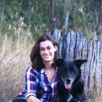 Emma, Female, 24, $150, Have pets, No children, and Non-smoker